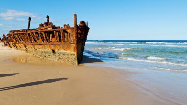 10 beaches where you can see impressive shipwrecks