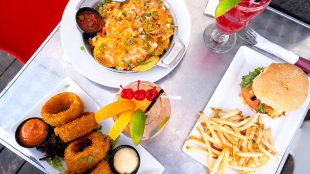 Voici des restos à Montréal où tu peux bien manger pour 10$ et moins!