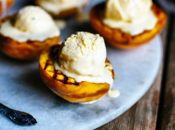 11 delicious desserts to make on the barbecue