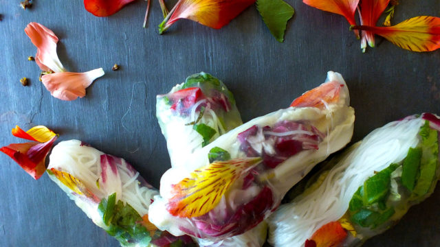 10 easy recipes made with edible flowers
