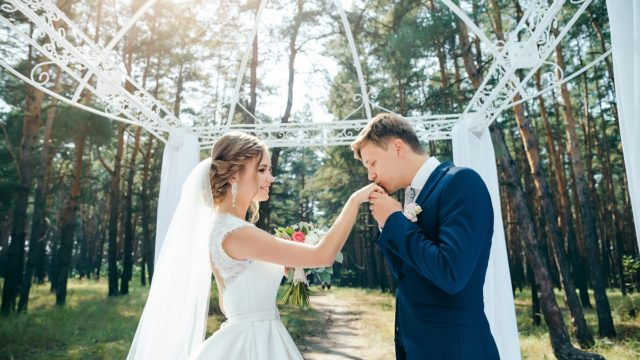 15 wedding songs for a memorable ceremony