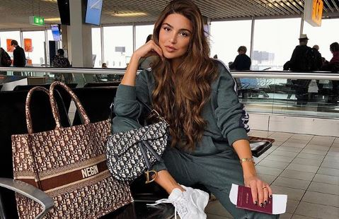 Here are the perfect airplane looks to adopt for your travels
