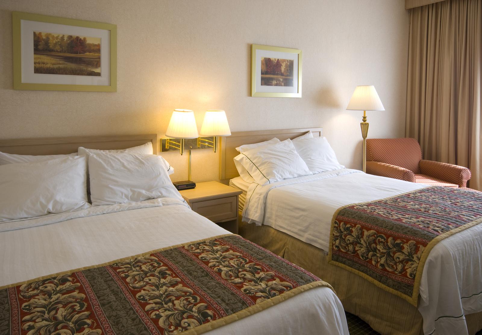 Pourquoi laisser les lumières allumées dans votre chambre d'hôtel lorsque vous n'y êtes pas?