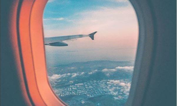 Les essentiels beauté pour un long vol en toute quiétude