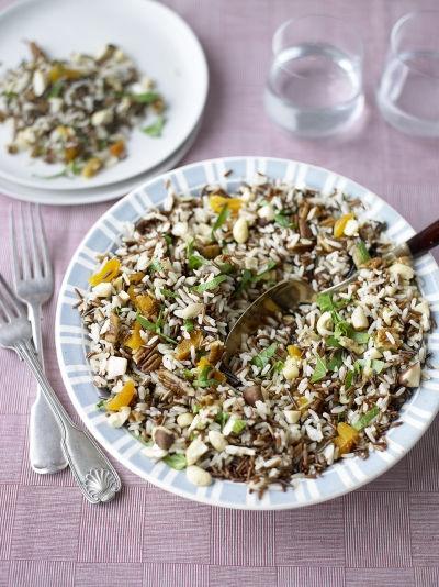 Cette salade de rix sauvage et non seulement santé. mais aussi délicieuse