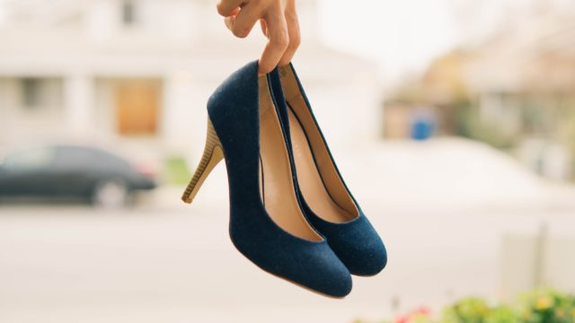 6 simple tricks to stretch new shoes