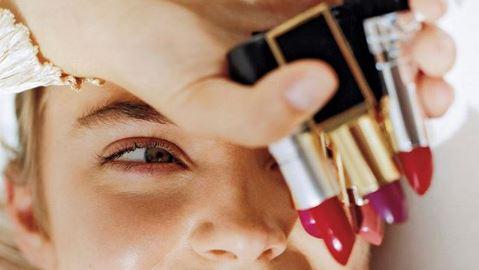 Rouge à lèvres: faites sensation avec ces teintes rouges vives