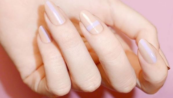How to remove gel and acrylic nails without damaging them