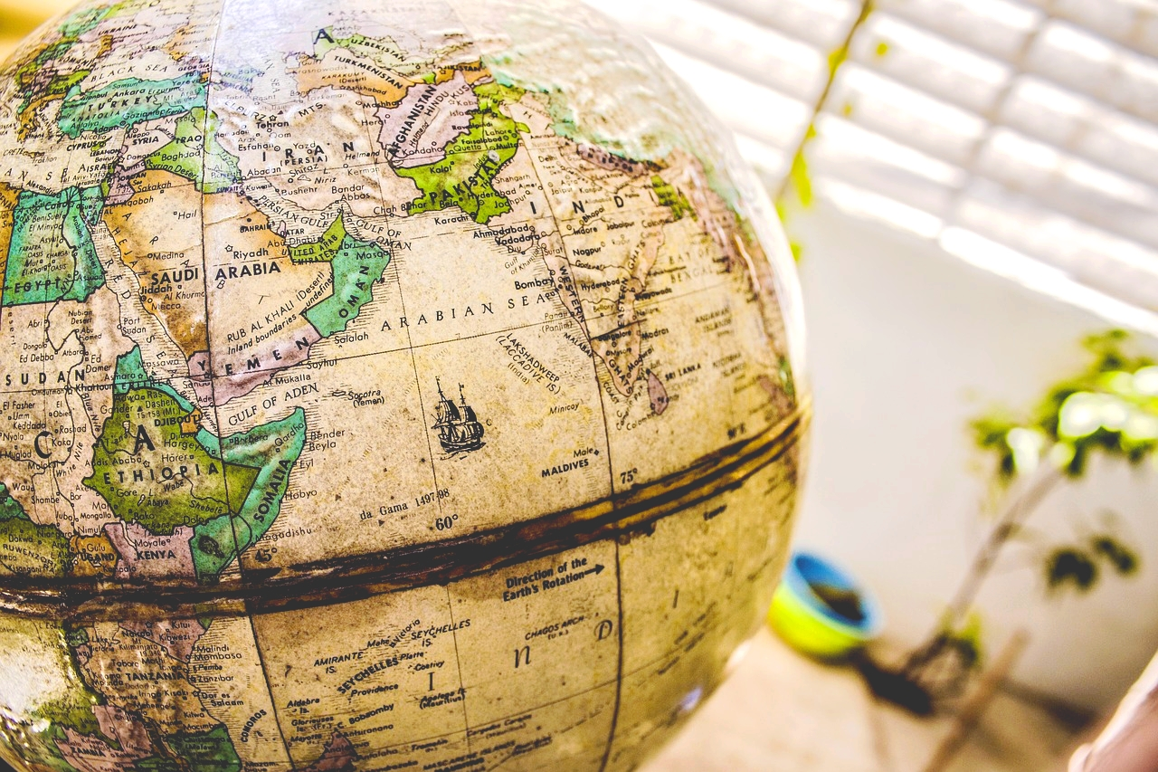 15 gift ideas that will please any world traveler in your life